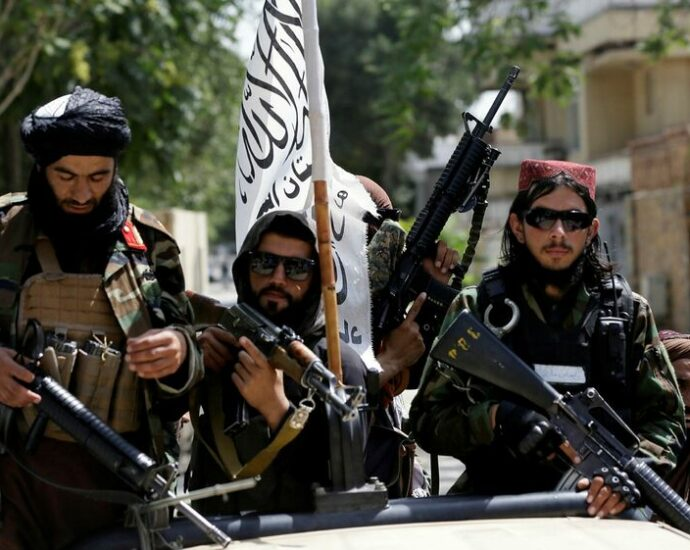 """Taliban: Last August is """"red line"""""""
